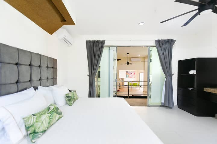 JACUZZI MASTER SUITE WITH TERRACE BY CASA KAOBA