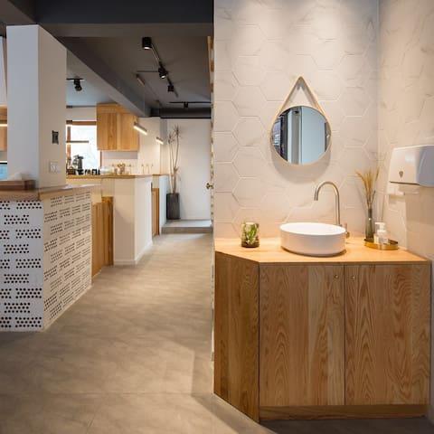 坤号民宿R6 咖啡 撸猫 电影 IKEA双床房 灵隐寺西溪湿地旁 网易严选软装