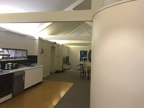 Beautiful top floor apartment in central location
