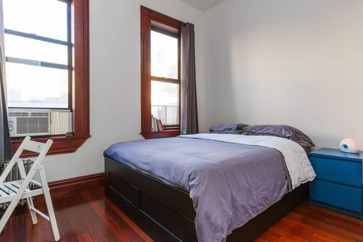 High quality Casper mattress.