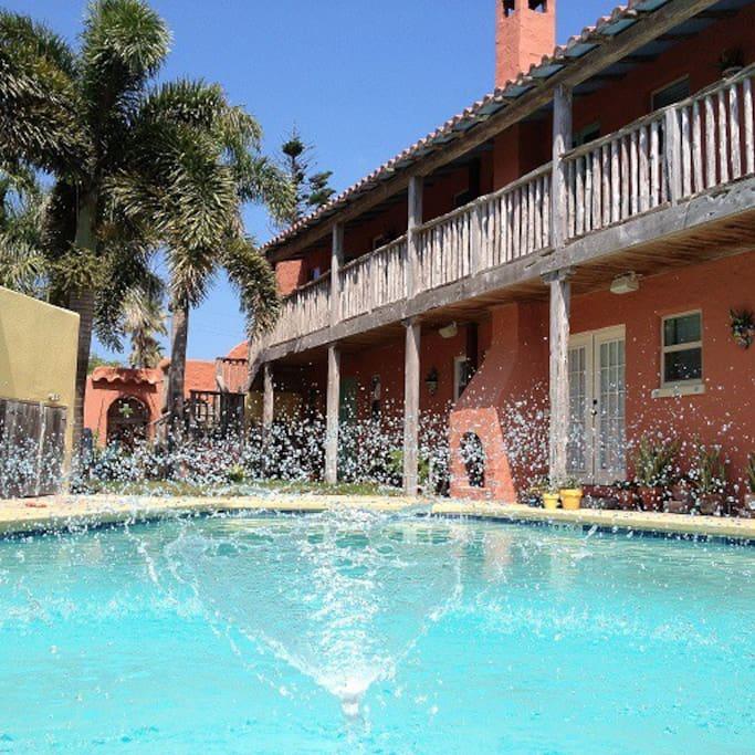 Spring Water Apartments: ALTA VISTA La Ciudad Unit #1