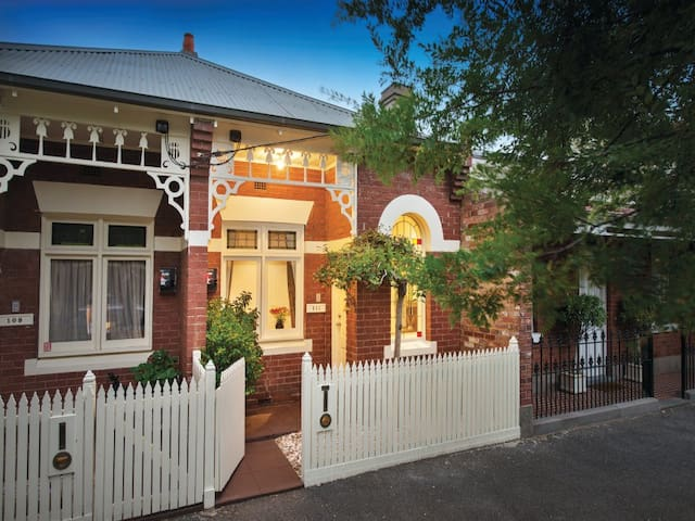 2 B/r period home that people love!