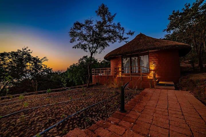 Luxury Hut nr. Kundalika River, Tala, Maharashtra