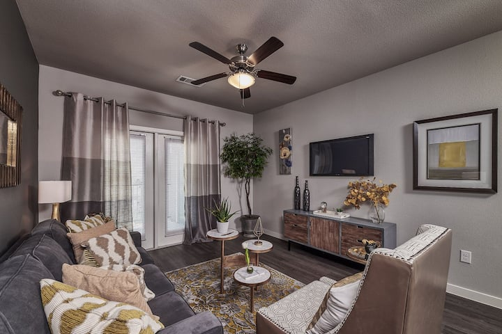 Live + Work + Stay + Easy | 2BR in Waco