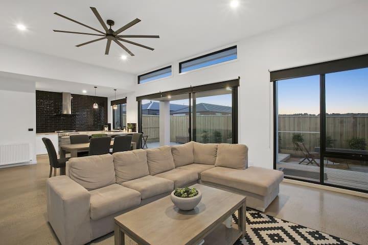 Modern House With Rooftop Deck Ocean Views