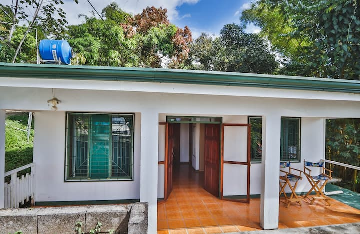 House very close to everything in Manuel Antonio