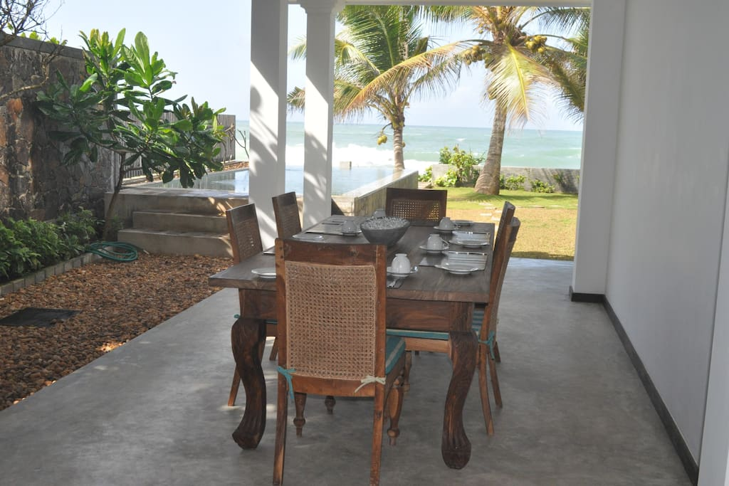 Have your meal enjoying the view of the Indian Ocean!