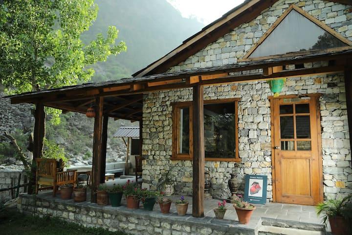 COTTAGE Room - Tirthan Valley Kullu
