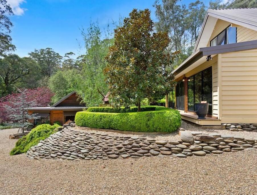 Manicured landscaped Gardens