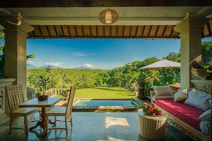 Ridge-Front Villa with private pool