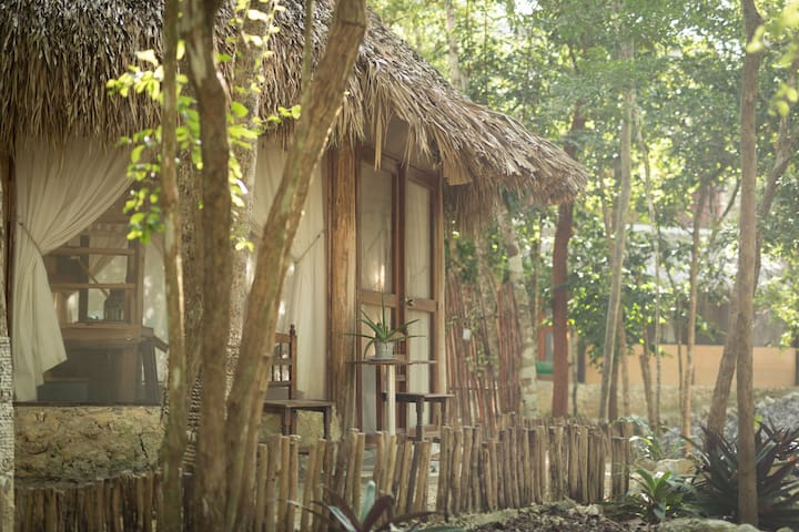 MELI-MELO JUNGLE HOUSE, MINUTES FROM TULUM BEACH