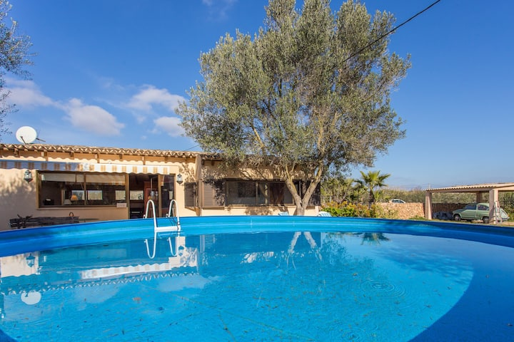 Spanish Country Chalet with Large Garden & Pool