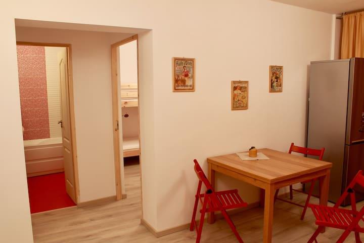Super comfy crispy new apartment - Deva - Apartment