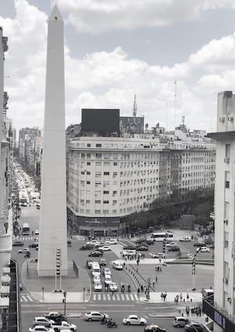 Vistas al Obelisco, corazón de Buenos Aires
