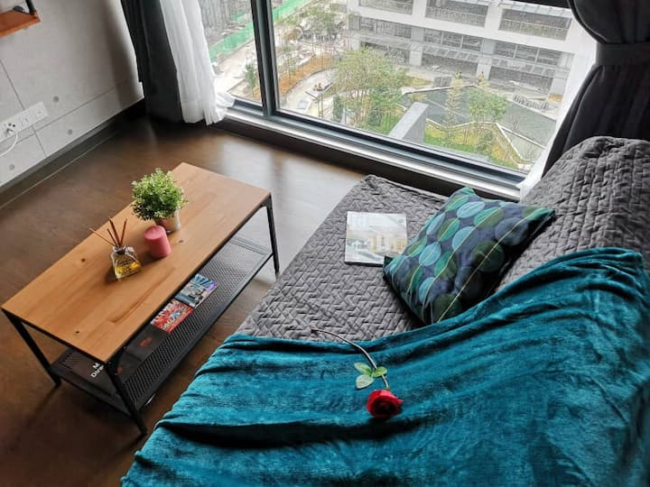 Sunway Velocity Suites. MRT VMALL IKEA Connected