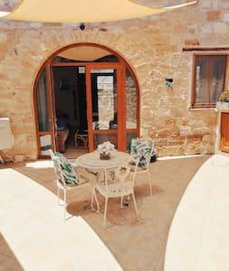 Chirokitia Courtyard 5