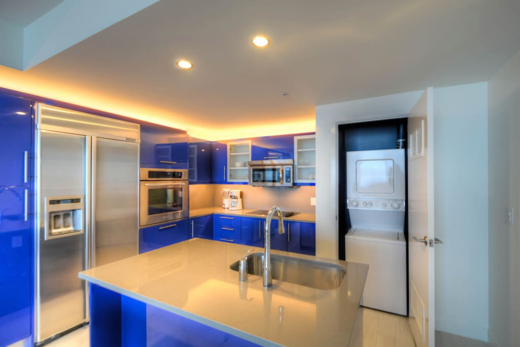 GOURMET ITALIAN KITCHEN WITH ISLAND. WASHER AND DRYER FOUND WITHIN UNIT.