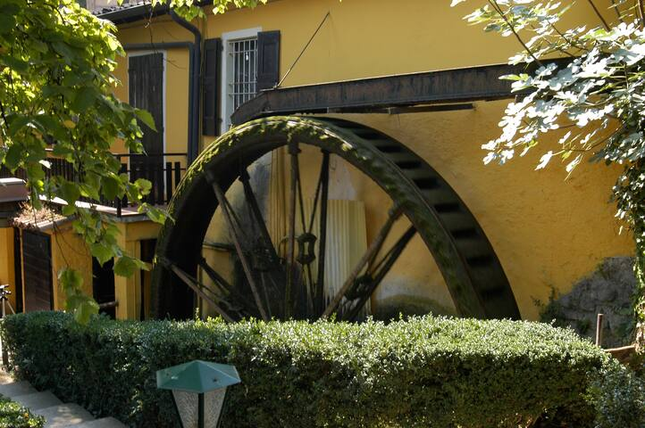 Chalet mit wunderbarem Seeblick - San Felice del Benaco - Blockhütte