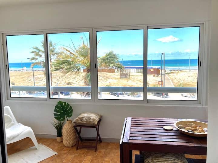 Charming & Spacious Sea Front Apartment