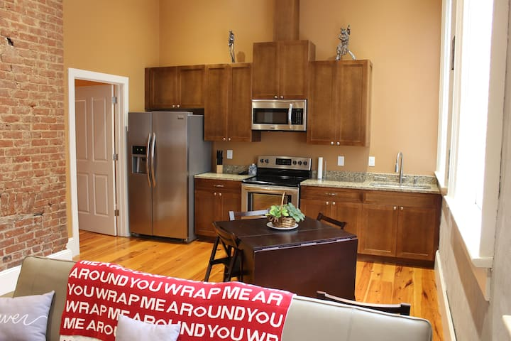 Luxury One Bedroom in Heart of the French Quarter - New Orleans - Apartment