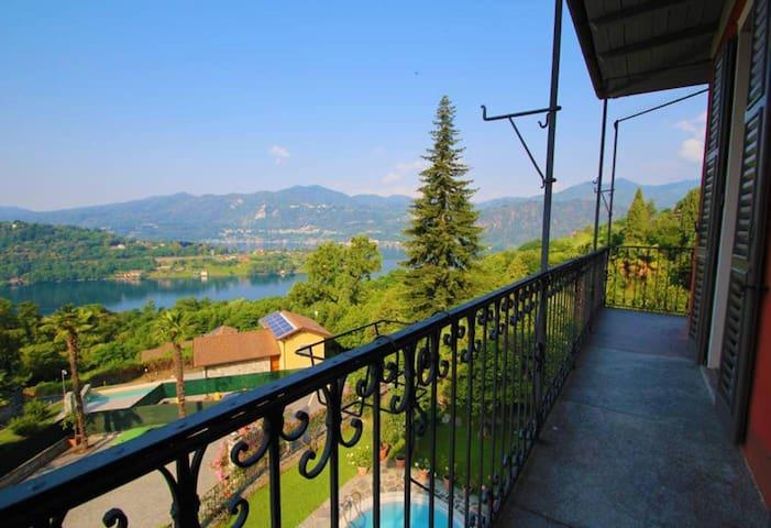 Domus 4 appartamento con vista Lago d'Orta