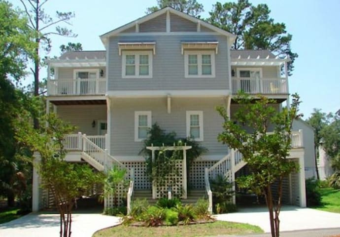 5BR 4BA Updated Home a Short Walk F - Edisto Island