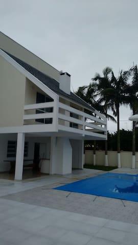 Casa ampla confortável Balneário Porto Fino - Pontal do Paraná - Casa