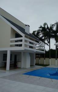 Casa ampla confortável Balneário Porto Fino - Pontal do Paraná