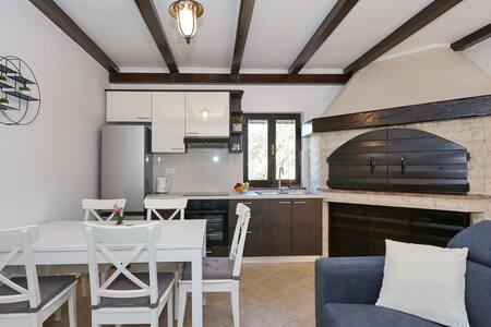 Holiday home Piastra-Zadar