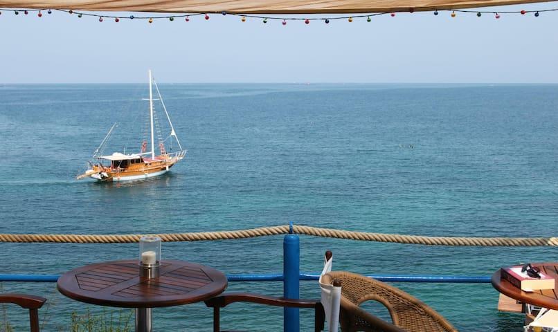 BODRUM REGNUM BARGYLIA BEACH 50 M - Bodrum - Hus