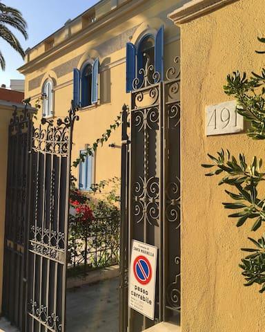Liberty-Style Villa Apartment in Santa Marinella 2