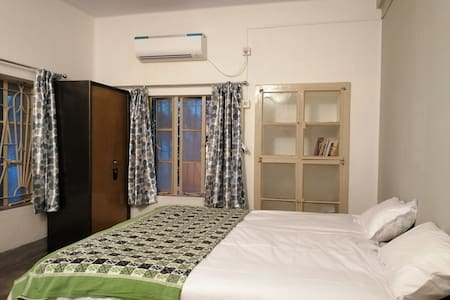 European style  modern flat (AC) WiFi &  amenities