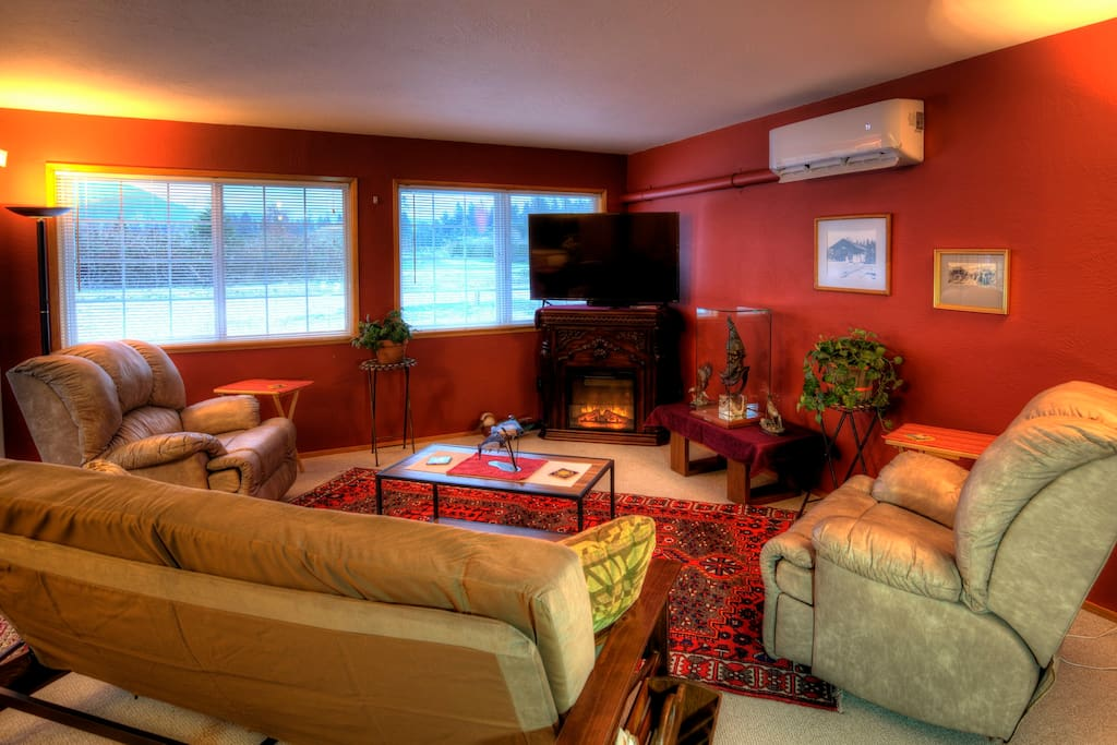 Casa Habanero. Quiet 2 bedroom 2 full bath + futon on over 1 acre with tons of parking for boats and RV's.