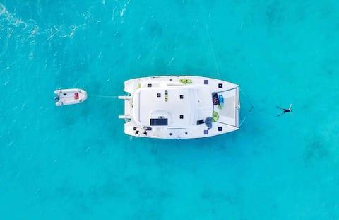 ALL-INCLUSIVE CREWED CHARTER Catamaran