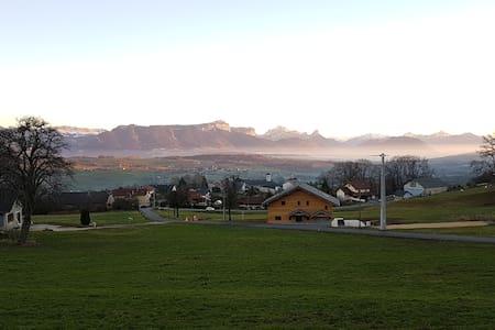Appartement à la campagne entre Annecy et Genève