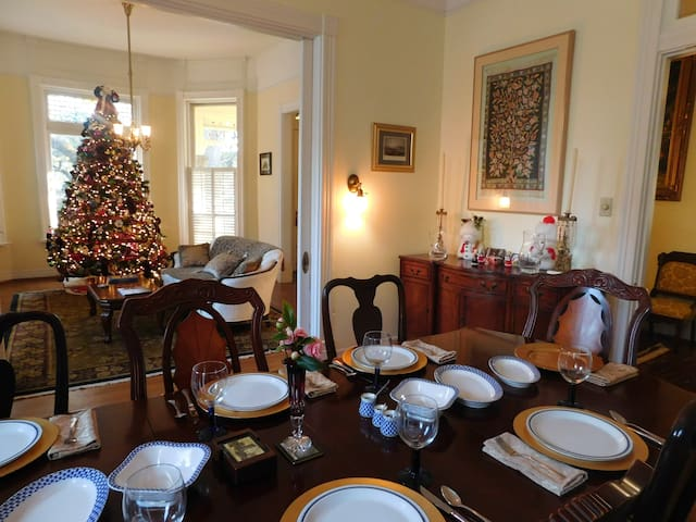 Full Breakfast served in dining room with 2015 Christmas Tree in front parlor
