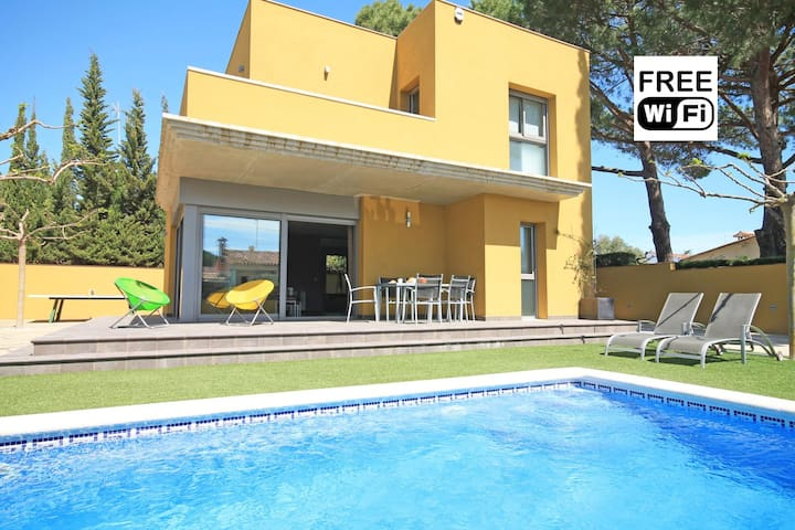 Private villa with pool in L´Escala - L'Escala - Villa