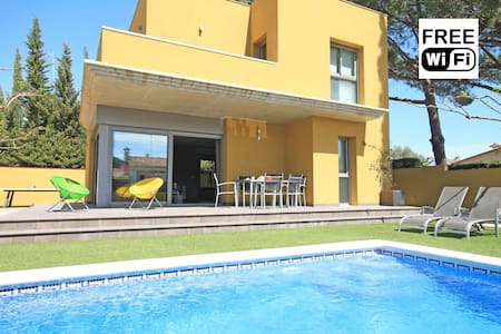 Private villa with pool in L´Escala - L'Escala