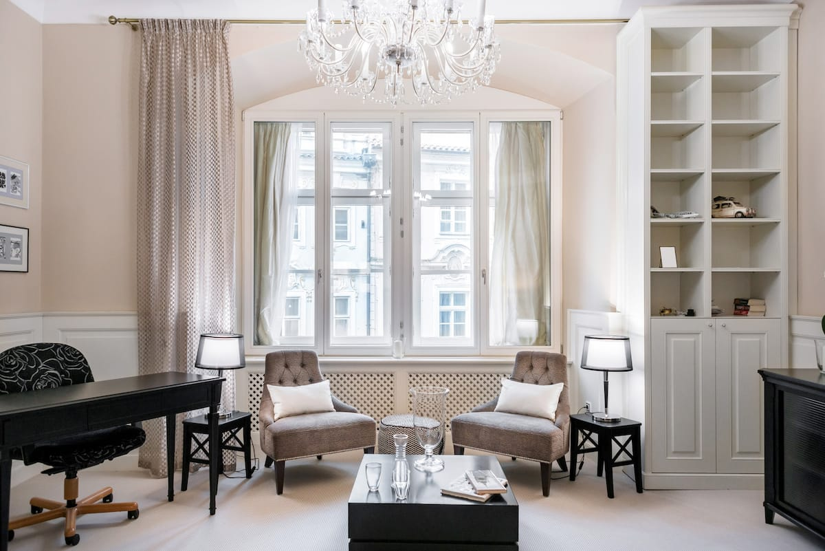 Decompress at an Elegant, Central 14th-Century Residence