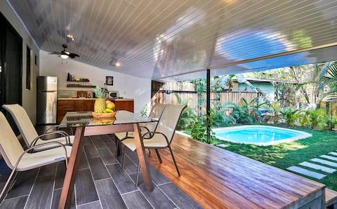 Villa Flamingo - 2 Bedroom modern Villa with private pool & garden 100m from surf beach !