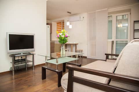 Semi-luxury Apartment on Ukrainskaya 43 Street