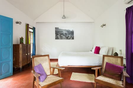 Small Villa / Tulasi.
