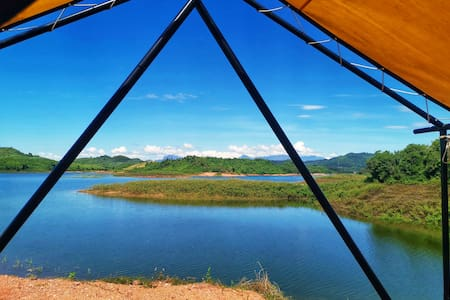 Standard twin bed tent with lake view