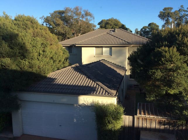 Quiet & convenient big house. - Glenfield - House