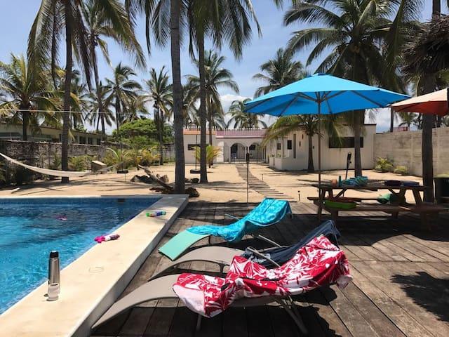 Beach House with Pool + Bungalow -Pie de la Cuesta