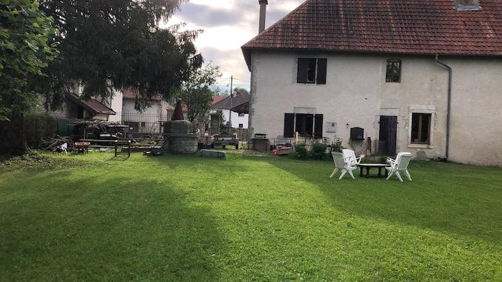 Un bel appartement dans une ancienne ferme du JURA