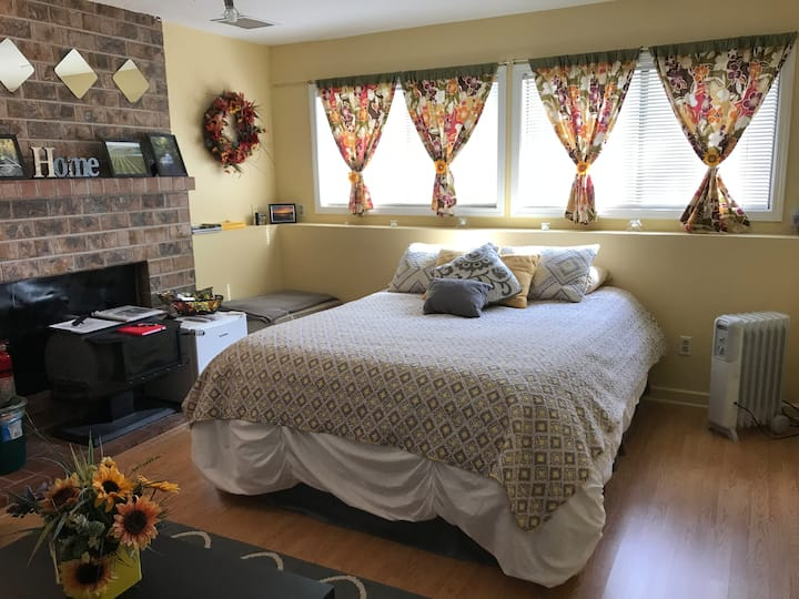 What a Deal! $70 TWO Bedrooms. Sleeps up to 4.