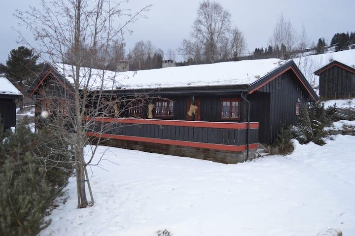 "Midtbygdsvegen, Øyer, Hafjell (5 km) ""Kårboligen"""