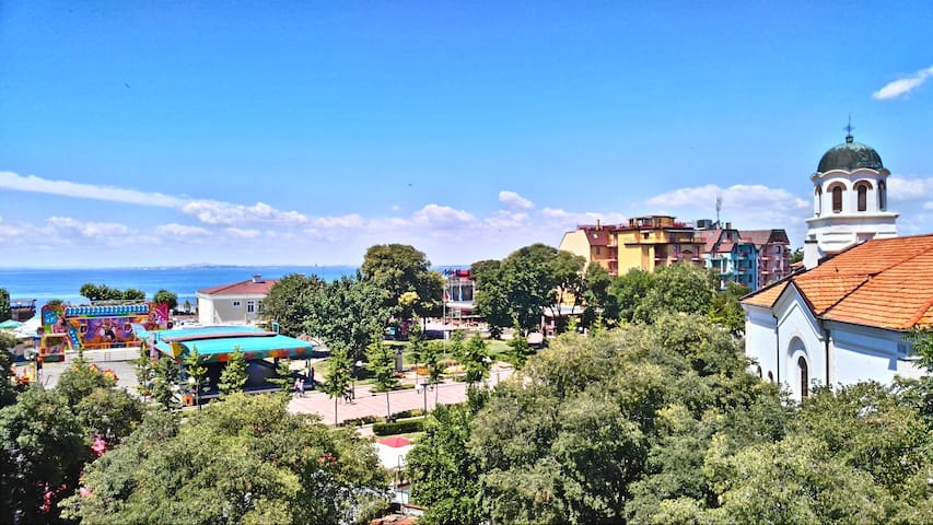Ina Rooftop Apartment/ 5min from Beach/ CityCenter - Pomorie - Apartment