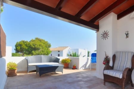 Cosy Apartment with large terrace. - Cala Ferrera